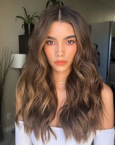 Chestnut Brown Luxy Hair Extensions - All For Hair Color Trending Brown Hair Shades, Brown Hair With Blonde Highlights, Brown Hair Balayage, Hair Color Balayage, Brown Hair Colors, Hair Highlights, Sombre Hair Brunette, Curly Light Brown Hair, Light Brunette Hair