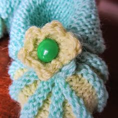 Not another blog...: Vauvan tossut - ohje Garter Stitch, Crochet Earrings, Crochet Hats, Knitting, Baby Things, Knitting Hats, Tricot, Breien, Stricken