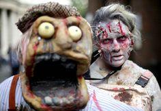 Il ya des costumes à la Zombie walk qui sont un peu exagérés.