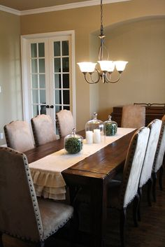 No Sew Burlap Table Runner Love The Centerpieces Too Dining Room Centerpiece