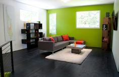 great lime green accent wall!
