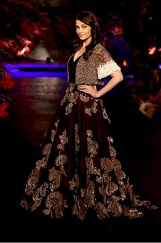 Manish Malhotra Lehenga with long train on Aishwarya Rai