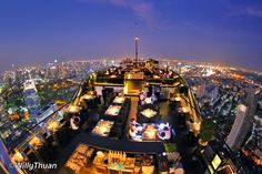 How many cities in the world can pretend to have more rooftop bars than Bangkok? None we know of... In our list you can find places to lounge back with a loved one, soak up the city in a full 360˙ sweep, and even party late into