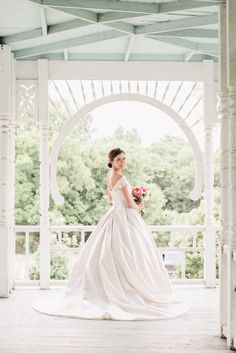 Barr Mansion Bridal Portraits // Grey to Blue Photography