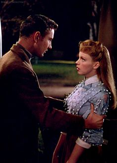 Judy Garland and Tom Drake in Meet Me In St. Louis (1944).