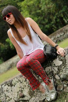 tartan pants... -latest post on my blog- #fashion #tartan #plaid Tartan Pants, Tartan Plaid, Boat Shoes Outfit, Sperry Boat Shoes, Refashion, Punk Rock, Sperrys, Style Me, Alternative