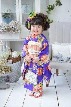 Japanese kimono little girl. Cute Little Girls, Cute Baby Girl, Cute Kids, Cute Babies, Japanese Kimono, Japanese Fashion, Beautiful Children, Beautiful Babies, Yukata Kimono