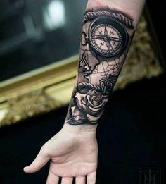 Resultado de imagem para tatuagem relogio colorido