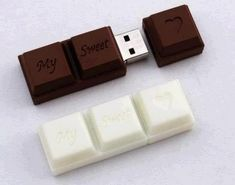 Chocolate USB Flash Drive Unusual flash memory stick designed to look like a ch. Pen Drive Usb, Usb Flash Drive, Funny Gifts For Women, Usb Stick, Accessoires Iphone, Cute School Supplies, Cool Inventions, Cool Things To Buy, Stuff To Buy
