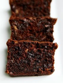 Cooking Pinterest: Sour Cream Chocolate Chocolate Chip Banana Bread Recipe