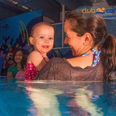mamá nadando con bebé club cañada