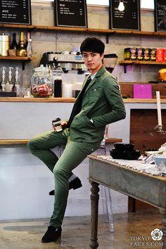 [Army Green Suits & Brown Suede Shoes] Model: Akio, Suits: Denham, Shirt: Honey Mi Honey, Shoes: Daniele British #CasualSuit #MenSpring2014