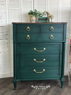 Fusion's new gorgeous Pressed Fern with Ebony Stain and Finishing Oil. Furniture Makeover, Furniture Decor, Painted Furniture, Dresser Makeovers, Furniture Design, Blue China Cabinet, China Cabinets, Chalk Paint Colors Furniture, Magnolia Paint Colors