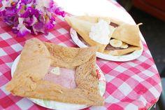 ハムとチーズが入った、ガレット風のクレープも。 追加トッピングで朝ごはんやランチメニューにもなります。
