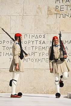 Changing of the Guard at the Tomb of the Unknown Soldier, Athens, Greece Mykonos, Athens Nightlife, Greek Flag, Corfu Town, Places In Greece, Greek Warrior, Unknown Soldier, Greek Culture, Around The World In 80 Days