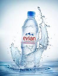 Bilderesultat for evian mineral water Mineral Water Brands, Agua Mineral, Water Packaging, Water Branding, Bottle Packaging, Evian Water Bottle, Water Bottle Design, Bottled Water, Beer