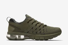 Nike Fingertrap Max NRG: Medium Olive/Sequoia/Black/Medium Olive