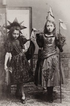 Check out that Spider...Excellent Victorian Halloween costumes...