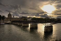 https://flic.kr/p/bpyGC7 | Pont des Arts by HDR | I did the first time in the HDR image processing. Why do not?