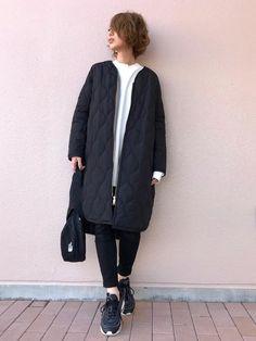 """""""黒スキニー×スニーカー""""で作る♡冬の楽カワお出かけコーデSNAP - LOCARI(ロカリ) My Life Style, My Style, Winter Outfits, Summer Outfits, Evening Outfits, Work Casual, Street Chic, Plus Size Fashion, Normcore"""