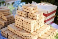 Μπομπονιέρα σε κραφτ κουτί: ΚΩΔ KG019 Baptism Favors, Handmade Baby, Wedding Favors, Photo Galleries, Baby Shower, Toys, Gallery, Sacks, Bag Packaging