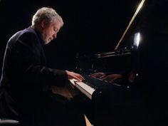 Em dezembro, o celebrado pianista mineiro Nelson Freire comemora seu aniversário de 70 anos ao lado da Orquestra Sinfônica de Porto Alegre (Ospa).  Saiba mais