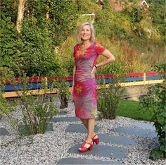 This is a fabric that makes me in a good mood! I have used the same pattern as for the Striped Summer Dress , but this is. Fireworks, Lily Pulitzer, Passion, Summer Dresses, Sewing, Fabric, Pattern, Tejido, Needlework