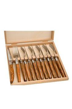 Laguiole Bestickset 6 Bordsknivar & 6 Bordsgafflar, Olivträ, Laguiole Jean DubostExklusiva bestick från franska Laguiole.Detta set innehåller 6 stycken Bordsknivar & 6 stycken Bordsgafflar i elegant tr&aum