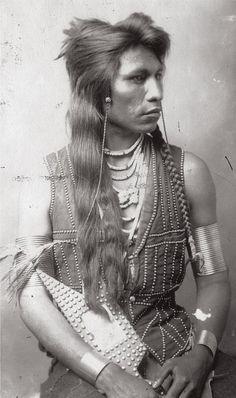 Mooragootch, a Shoshone warrior, ca. 1884