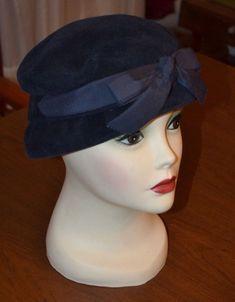 1a76a0eb12d5f Vintage Ladies Chevalier Cloche Hat