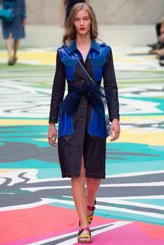Burberry Prorsum - Spring / Summer 2015 Ready to Wear - London Fashion Week Vogue Fashion, Denim Fashion, Runway Fashion, Fashion Show, London Fashion, Vogue Uk, Burberry Prorsum, Spring Summer 2015, Spring Summer Fashion