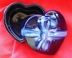 1989 Gibson Designs Covered Cobalt BLue Ceramic Heart Shaped Trinket Box NEW IOB MINT