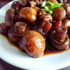 Klunker's Plant-Based Kitchen: Crock pot mushrooms - make 'em ahead and take 'em along!