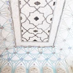 """BELL on Instagram: """"Love the intricate detail in the ceiling and walls in #Jaipur #India #weekend #inspiration #instagood #love #beautiful #details #travel #wanderlust #color #fashion #boho #bohemian #style #resort #resortwear #explore #travelstyle #bohochic #BELL"""""""