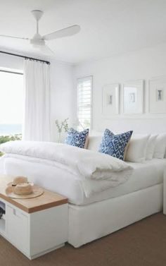 Layer upon layer, blue on white. A home for relaxing, for entertaining family and friends. Beach House Bedroom, Dream Bedroom, Home Bedroom, Master Bedroom, Dream Home Design, House Design, Living Style, Neutral Bedroom Decor, Apartment Decoration