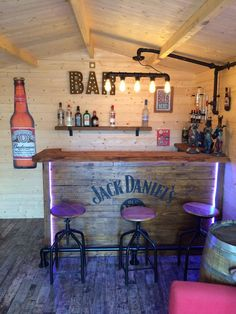 Bar Try the newest of our Buyer Evaluations to learn how to transform your Log Cabin into a complete Home Bar Rooms, Diy Home Bar, Home Pub, Bars For Home, Man Cave Shed, Man Cave Room, Man Cave Home Bar, Garden Bar Shed, Bar Pub