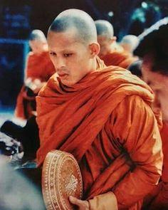 สาธุ..สาธุ..สาธุ..ร.๑๐ ขอพระองค์ทรงพระเจริญยิ่งยืนนาน..ด้วยเกล้าด้วยกระหม่อมขอเดชะ King Rama 10, King Bhumipol, King Of Kings, King Queen, Crown Prince Of Thailand, Thai Prince, King Thailand, Thai Monk, Queen Sirikit