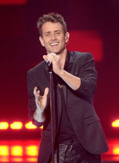 """Joey McIntyre Photos Photos - Singer/songwriter Joey McIntyre of NKOTB performs onstage during """"American Idol"""" XIV Grand Finale at Dolby Theatre on May 13, 2015 in Hollywood, California. - 'American Idol' XIV Grand Finale - Show"""