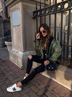 If you're considering purchasing the Gucci Ace sneaker, read this first! Gucci Sneakers Outfit, Sneaker Outfits Women, Gucci Outfits, Booties Outfit, Pastel Outfit, Instagram Outfits, Green Bomber Jacket Outfit, Looks Baskets, Fall Winter Outfits