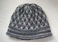Swedish twined knitting (tvåändsstickning) - I love the trompe l'oeil effect!