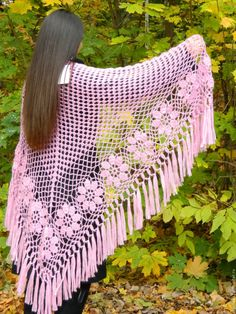 For Aunt Martha - White Fringe Shawl free crochet graph patternWhite shawl with flange hoopsarticles: with chart - shorter fringe and I'm there. Crochet Circle Vest, Crochet Shawl Diagram, Crochet Poncho Patterns, Crochet Shawls And Wraps, Crochet Circles, Freeform Crochet, Knitted Shawls, Crochet Scarves, Crochet Clothes