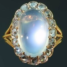 Antique jewelry Late nineteenth century Victorian cabochon moonstone and rose cut diamonds ring oooo awwww wow! Moonstone Jewelry, Gems Jewelry, I Love Jewelry, Jewelry Accessories, Gemstone Rings, Fine Jewelry, Jewelry Design, Jewellery Box, Victorian Jewelry