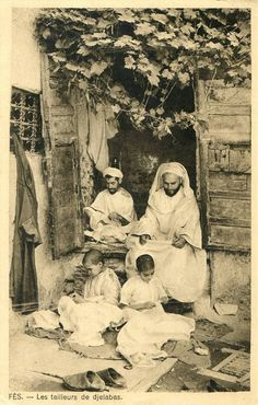 They make the traditional moroccan outfit called Djellaba. This is in the city of Fez. Colorful Pictures, Old Pictures, Old Photos, Time Pictures, Medan, Moroccan Art, Islamic World, North Africa, World Cultures