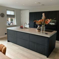 Kitchen Room Design, Kitchen Cabinets Decor, Modern Kitchen Design, Home Decor Kitchen, Kitchen Living, Kitchen Furniture, New Kitchen, Black Kitchens, Luxury Kitchens