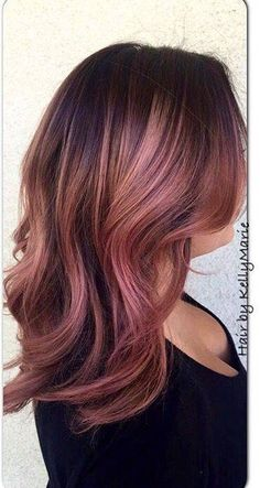 These rose gold highlights are everything  Source || Pinterest#hair #haircolor…