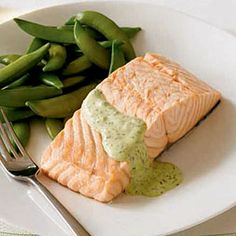 Poached Salmon with Dill-Horseradish Sauce