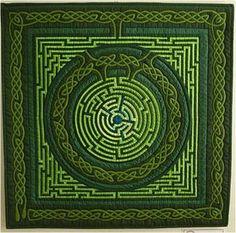 Green Celtic maze quilt