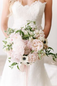 Blush bouquet, greenery, anenome, peonies, Photography: Melanie Duerkopp/ style me pretty