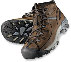 Keen Targhee II Mid Hiking Boots, Quality boots for day hikes. Light weight and waterproof.