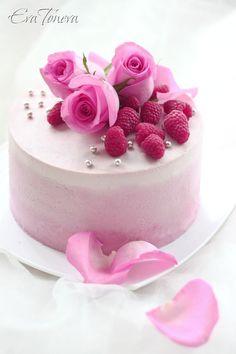 Raspberry layer cake (in Bulgarian) Cupcakes, Cake Cookies, Buttercream Decorating, Cake Decorating, Beautiful Cakes, Amazing Cakes, Cake Recipes, Dessert Recipes, Cakes For Women
